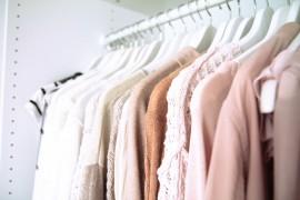 Shooting Vorbereitung Outfit Kleiderschrank