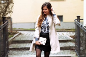 street style lederrock kombinieren black skirt river island outfit modeblog deutschland fashion