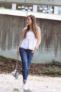 DIY Jeans mit Perlen Upcycling Fashion aus alt mach neu