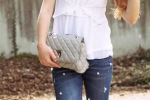 Perlen Jeans Michael Kors Handtasche Outfit fashion blog