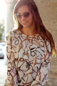 Volant-Bluse Sonnenbrille Trend Sommer Statement Teil