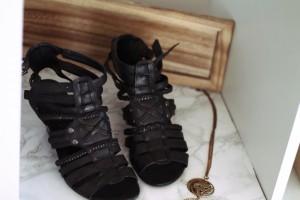 High Heels Schuhe schwarz Sandalen Römersandalen