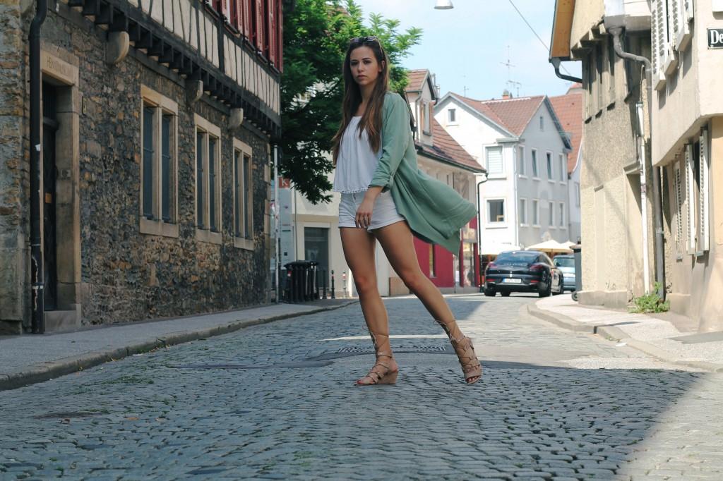 coole fashion tipps für heiße Tage lockere Kleidung style