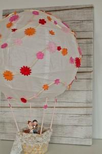 Heißluftballon basteln geldgeschenk heißluftballon basteln zur Hochzeit DIY upcycling