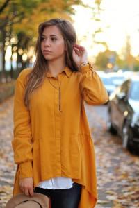 Senfgelbes Oberteil Wie kombiniere ich senflgelbes Kleidungsstück Overknees Outfit Lookbook blogger Fashion Style München Augsburg OOTD