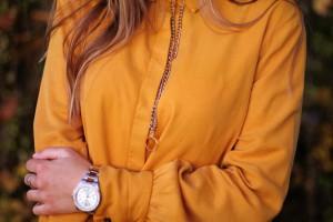 Senfgelbes Oberteil Wie kombiniere ich senflgelbes Kleidungsstück Overknees Outfit Lookbook blogger Fashion Style München Augsburg
