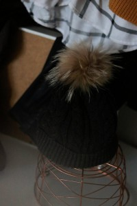 Bommelmütze Mütze Fell Essentials Herbst fashion Tipps Shopping