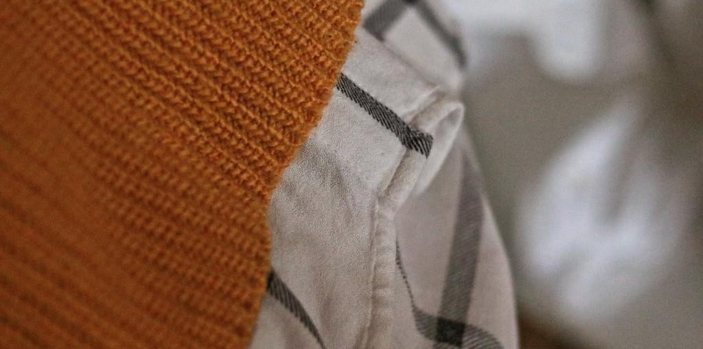 kariertes Hemd essentials Herbst Pullover Hemd unter einem Statement pulllover fashion Tipps Shopping