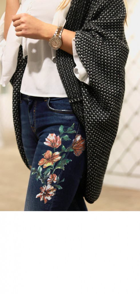 Outfit mit Print Jeans I Jeans mit Blumendruck