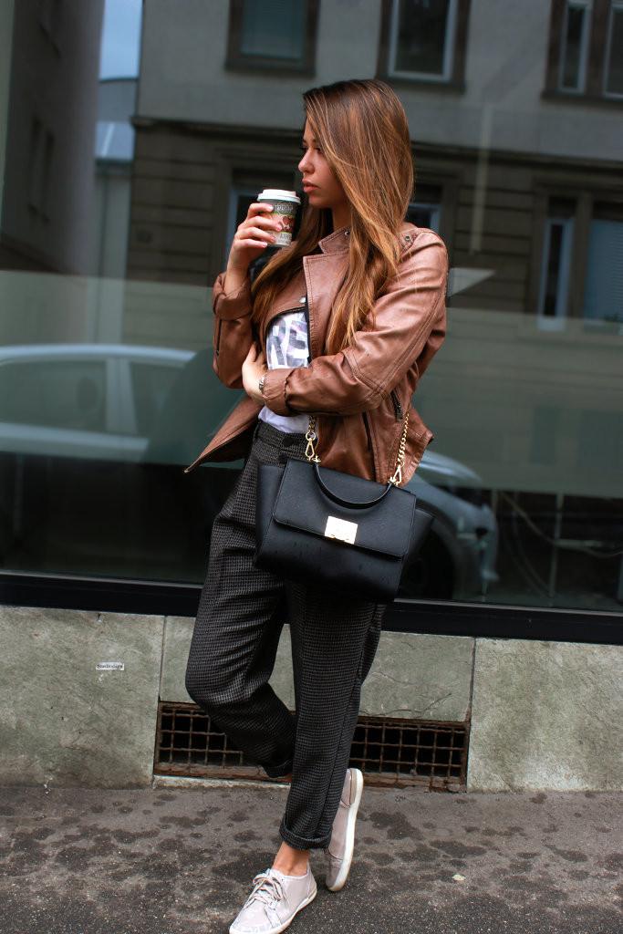 braune Lederjacke kombinieren stylen Trend Blog blogger deutschland bikerjacke streetstyle outfit fashion ootd lookbook modeblogger
