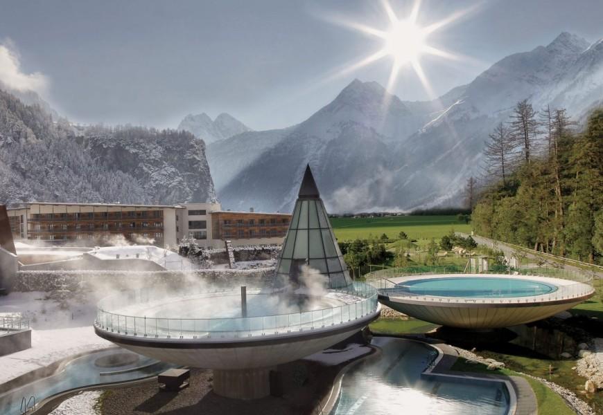 Aquadom Tirol Österreich Berge Therme