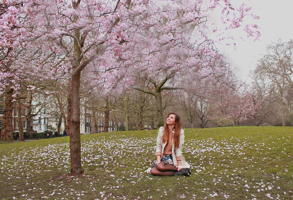 Frühlingslook 2018 Kirschblüten Blüten Blumen Outfit Look Blogger outfit style german deutschland blog