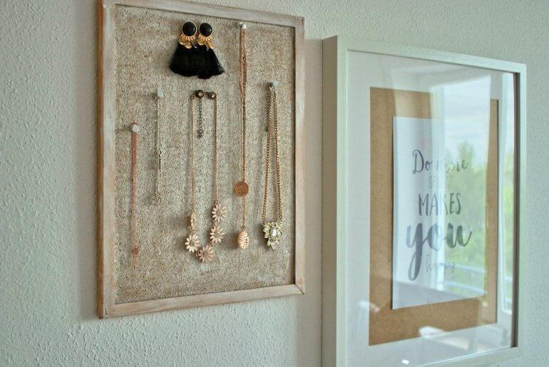 Schmuckaufbewahrung Ketten Ohrringe DIY doityourself blogger tipps accessoires etagere Schminktisch Upcycling Bilderrahmen
