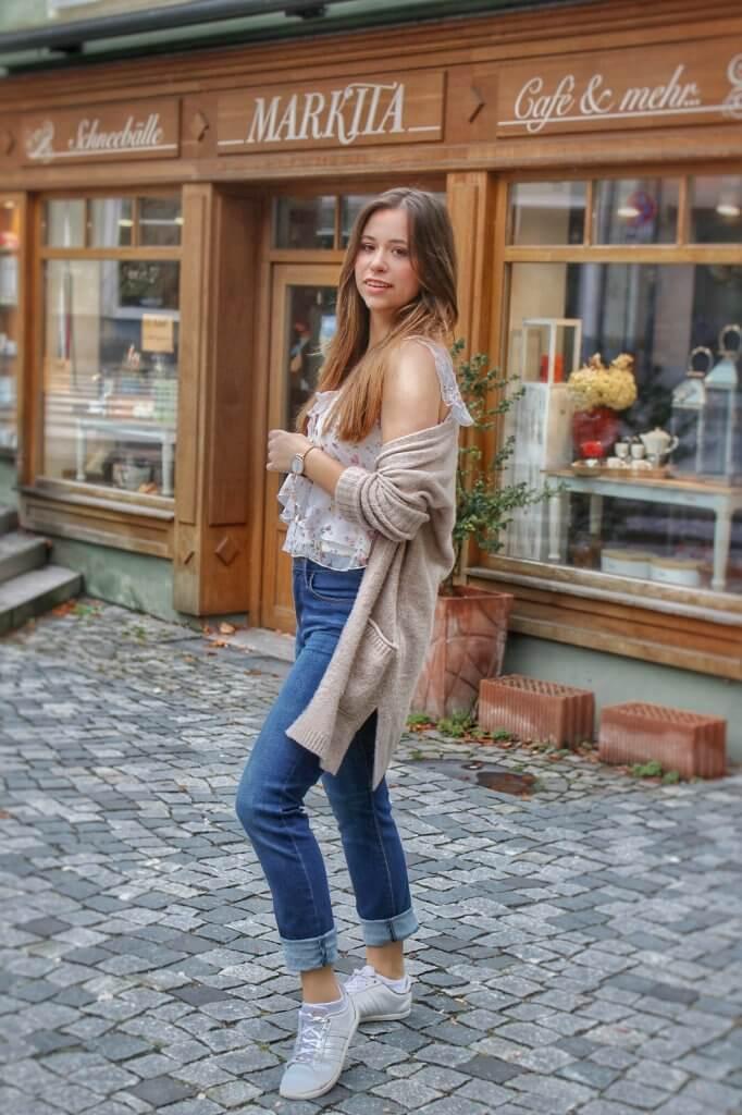 Uni Outfit Was soll ich morgen anziehen? die besten Tipps und Tricks für den perfekten Uni Look Fashion Blog Whitelilystyle Lookbook