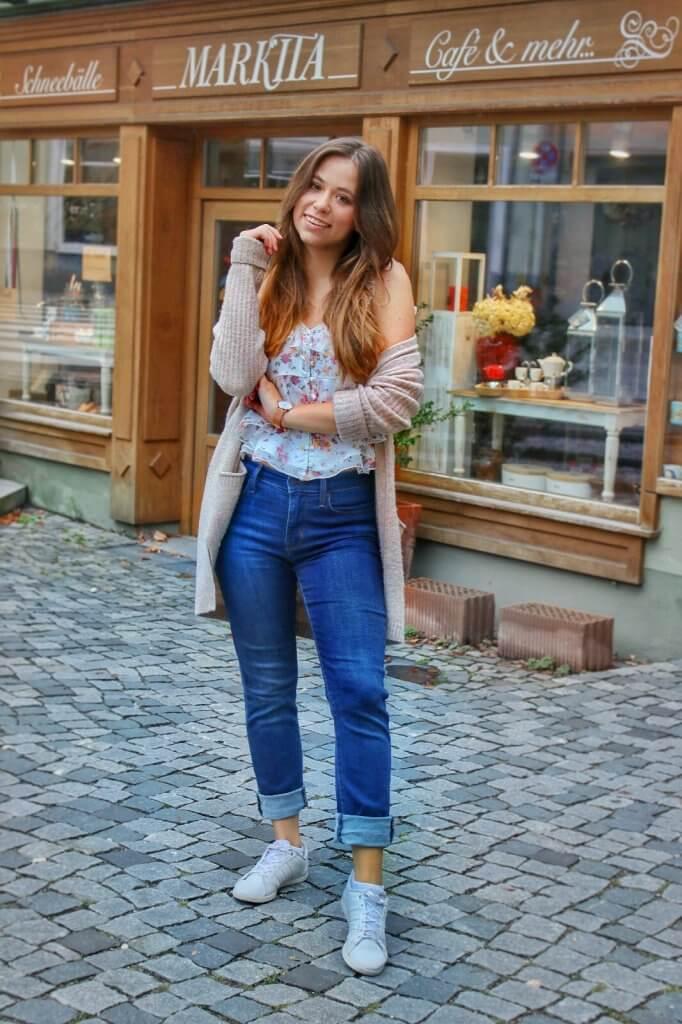Uni Outfit Was soll ich morgen anziehen? die besten Tipps und Tricks für den perfekten Uni Look Fashion Blog Whitelilystyle