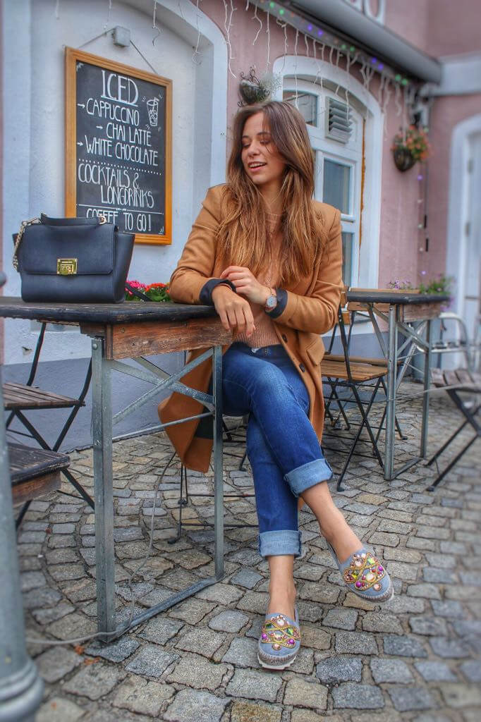 Herbst-Outfit I langer brauner Wollmantel