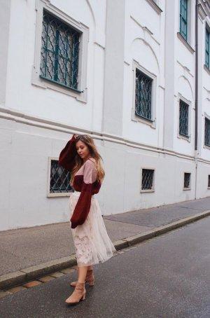 Pullover stylen Pulli Oversize Pullover Sweater gestreifter Pullover V Auschnitt Outfit Blogger Deutschland Fashion Style Blog