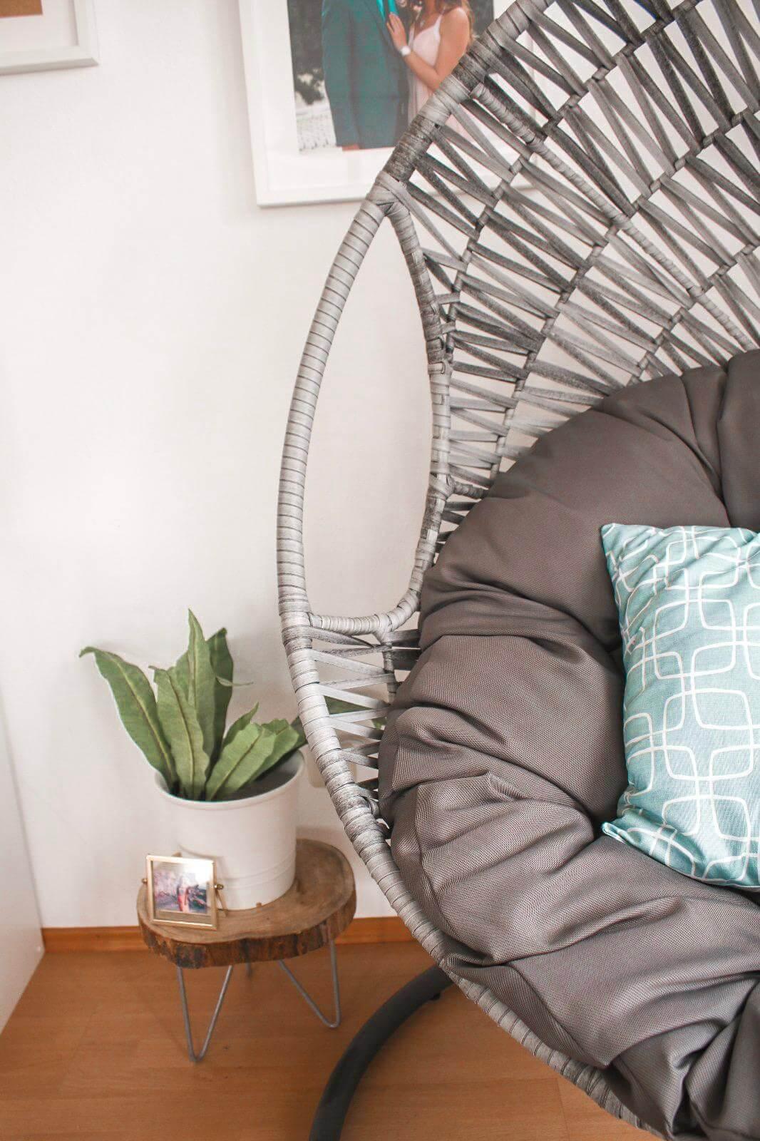 5 Einrichtungstipps- Tropical Boho Wohnzimmer und Hängesessel