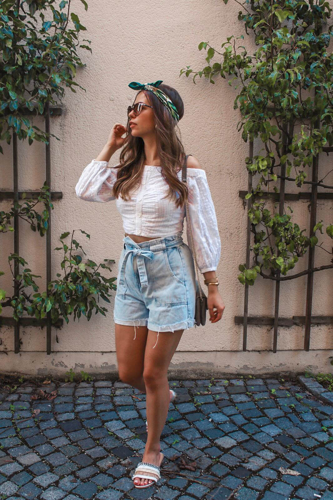 Outfit Inspiration - Paperbag Shorts kombinieren & Outfit Details