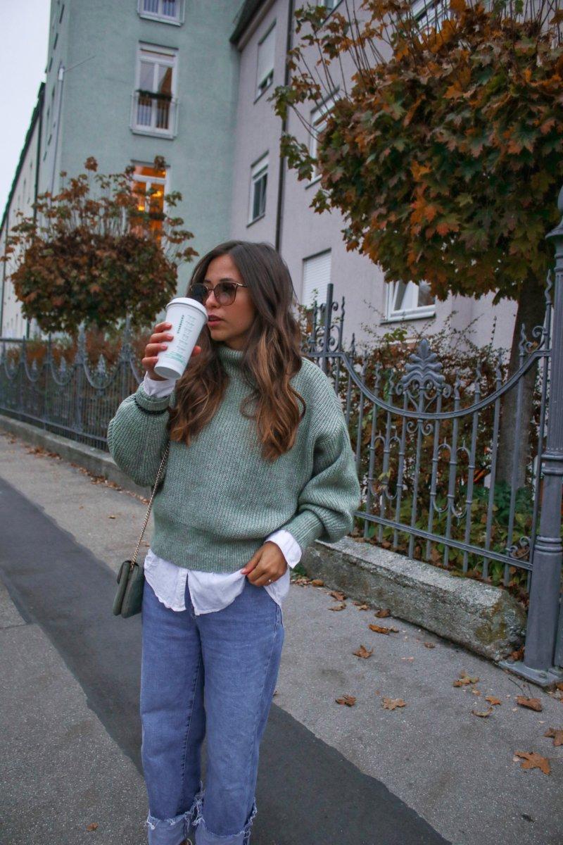 Layering Look – Bluse unter Pullover kombinieren