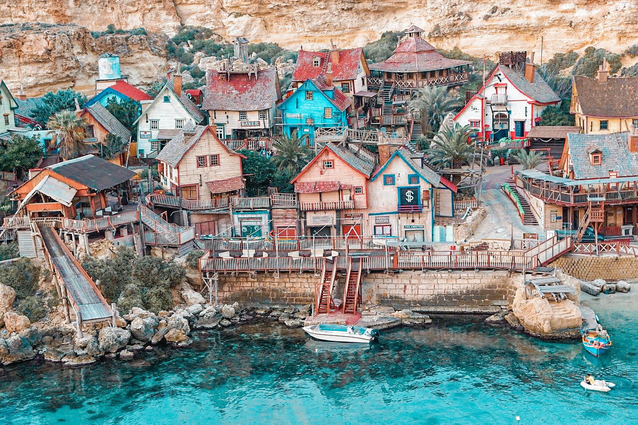 Popeye Village - ein Tag in Malta's wundervollsten Attraktion