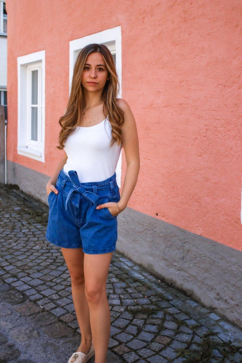 Diese Kleidung macht schlank – 3 Shorts Styles für schlanke Beine