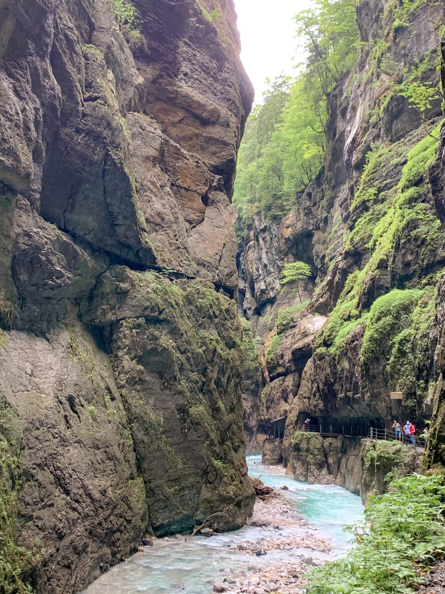 Partnachklamm-Garmisch-Partenkirchen-4-Wochenendtrips-in-Garmisch-und-Umgebung