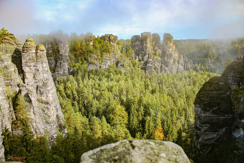 Basteibrücke Sächsische Schweiz – Wo parken, was mitbringen und weitere Tipps für deinen Ausflug zur Bastei