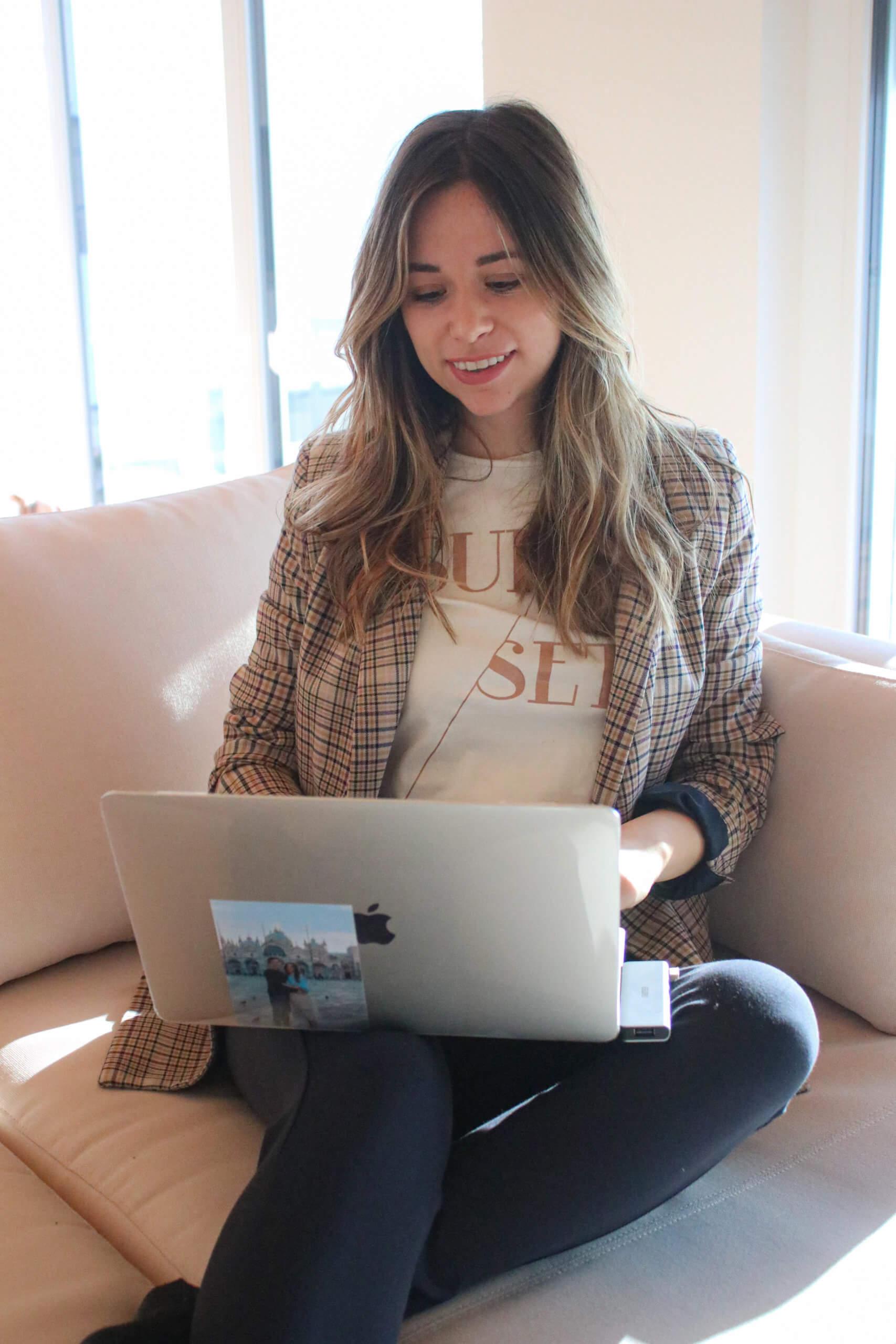 Homeoffice Outfit – für produktive Arbeitsstunden im gemütlichen Business Look