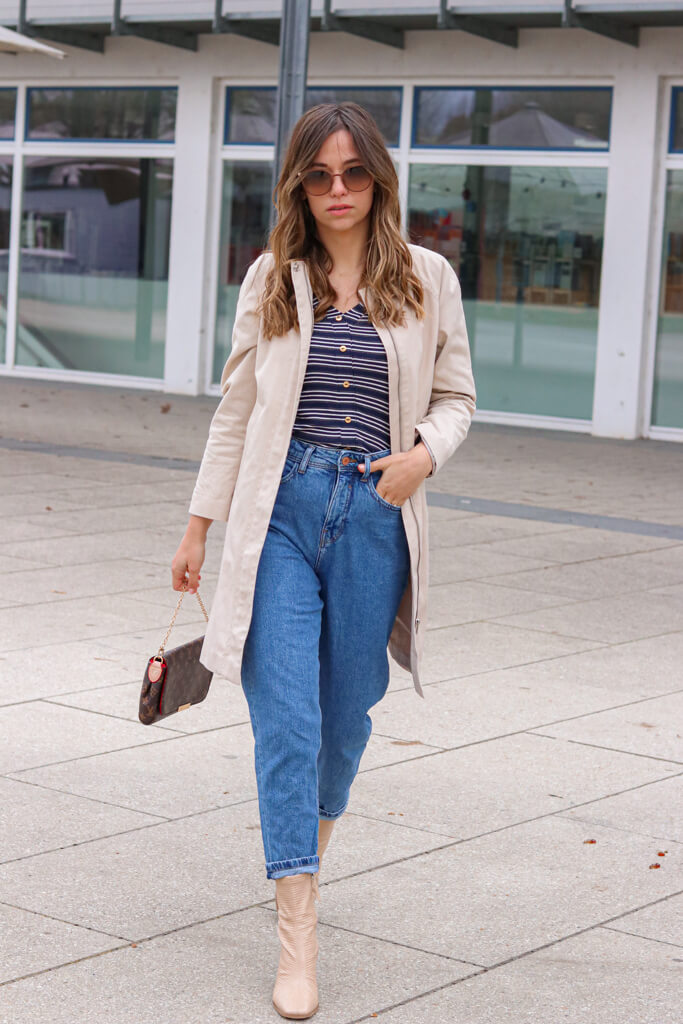 Mom Jeans Outfit - Mein Outfit mit Mom Jeans und High Heel Boots3